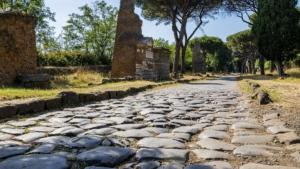 via-appia-traiana-antica-strada-romana-masseria-ostuni-ulivi-brindisi